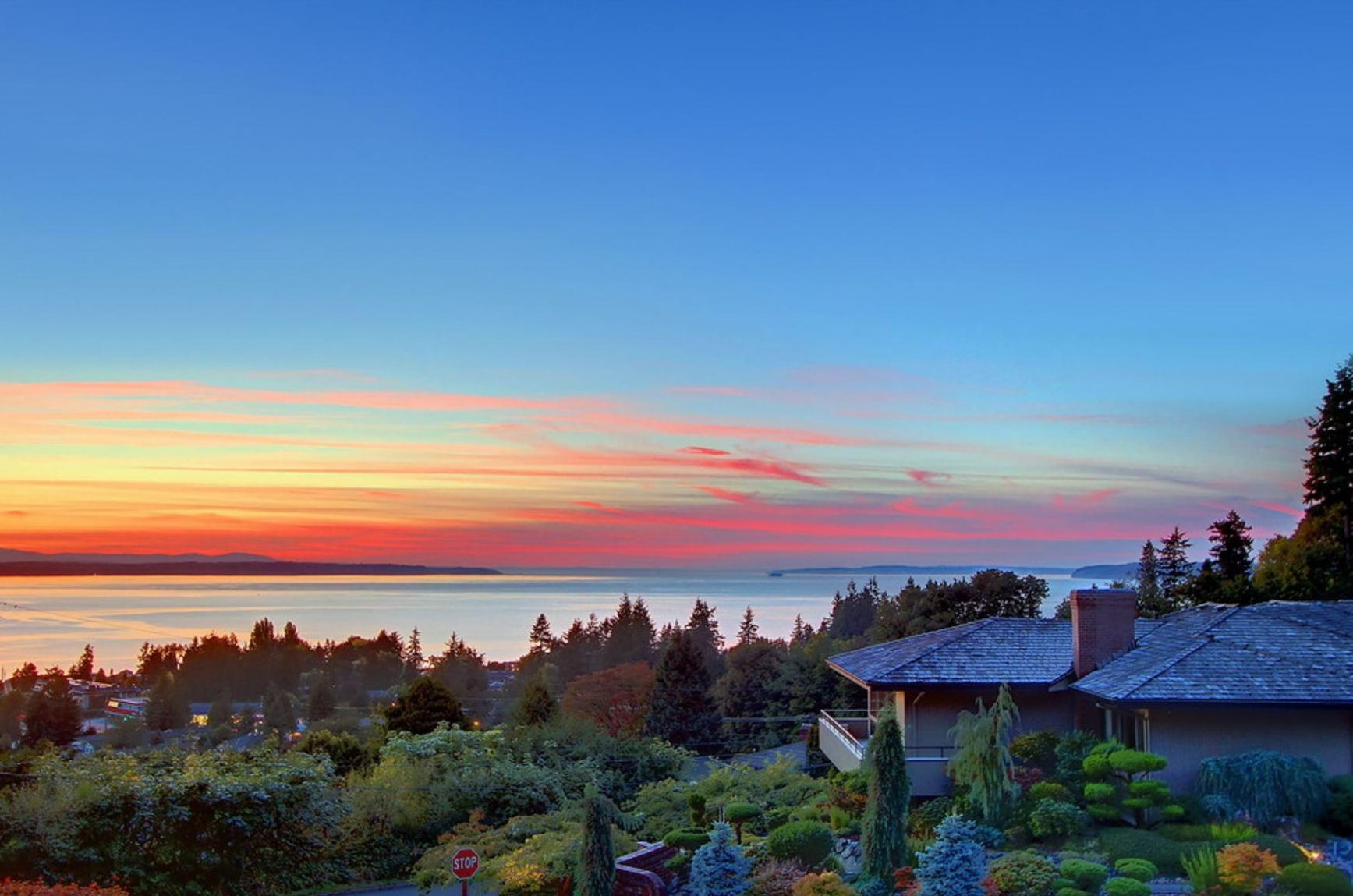 image of edmonds, wa at sunset looking toward the puget sound